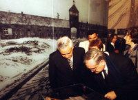 Le Président Moshe Katsav et le Premier Ministre JP Raffarin